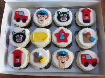 postman pat cupcakes